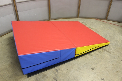 Gymnastics Folding Wedge 72x47x16